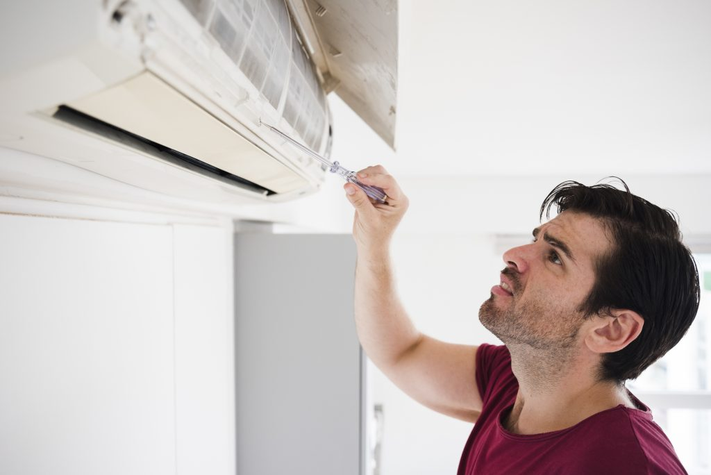 How much does it cost to hire an annual air conditioner maintenance service?